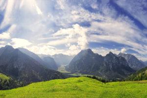 Die Bergwiese ist das Titelbild von der Fotoexkursion Oberbayern an der Fotoschule Blende-16.